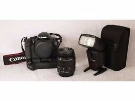 Canon 600D DSLR with accessories including Canon 430ex ii Speedlite