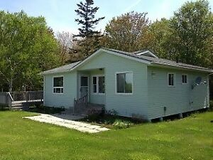 Comfy Cavendish Cottage $950 Wkly Available Sept 10 to Oct 15
