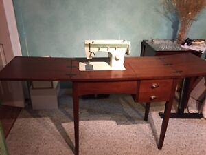 Sewing Machine with Wood Cabinet Windsor Region Ontario image 1