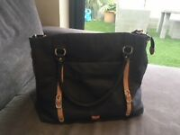 Navy pacapod milano changing bag, excellent condition