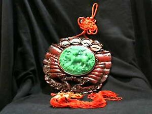 VINTAGE CHINESE KNOT WALL HANGING  / JADE COLOR FOO DOG