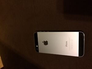 400$ Brand New iPhone 5S Locked to a Fido Plan Edmonton Edmonton Area image 1