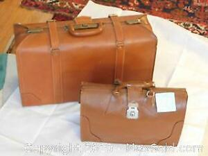 2 Vintage Leather Cases.