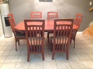Table a Diner avec 6 Chaises Dining Table with 6 chairs nego