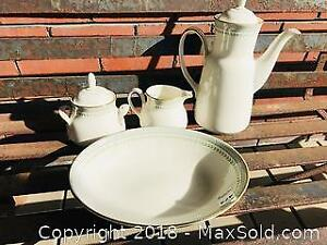 Vintage Royal Doulton Fine Bone China Berkshire Teaset