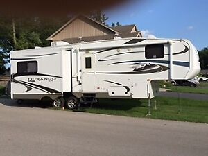 2012 KZ Durango 295 5th wheel trailer for sale