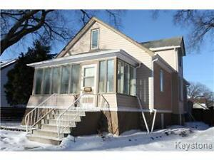 Bright & Spacious- 3 Bedroom House in St.Boniface