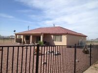Phoenix Rancher - Full Furnished - Utilities Included.