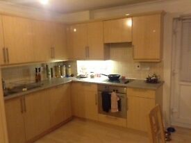 Double & Single Room to Let
