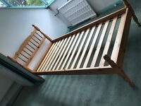 single bed - wooden single bed in good condition