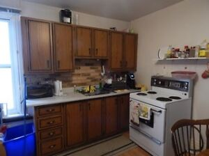 ALL INCLUSIVE 4 BDRM ($640 / month / room) Kingston Kingston Area image 2