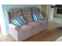 Immaculate, good quality 3 seater settee