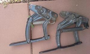 1969 Chevelle SS hood hinges