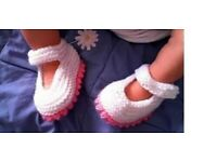 Baby girls shoes x 1 pair Hand knitted (plz see pics)