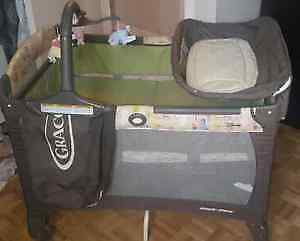 Parc Graco Collection Disney PackNPlay COMME UN NEUF!