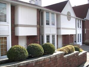 NEW PRICE Live downtown kingston, 3bed waterside condo townhome