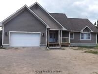 Espanola, On. Quality home on 1.5 acres, steps from golf course!