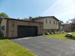 FRIDAY OPEN HOUSE--AUG 26--4 CROCKER CRES--6:00PM - 8:00PM