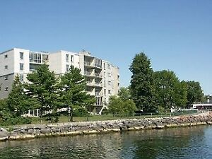 2 bed condo w/waterfront views! 602-1 Mowat