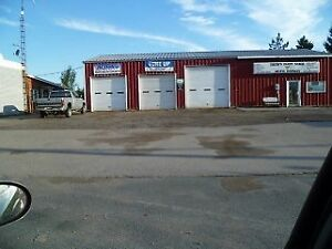4 ACRE AUTOSHOP AND RESIDENTIAL UNIT - 605 Hwy 7, Oakwood