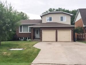 69 LOUISE 284,900 AMAZING FAMILY HOME IN A GREAT NEIGHBORHOOD