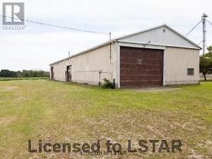 Totally renovated country home-2.75 acres London Ontario image 10