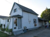 INVESTORS,GREAT POTENTIAL HERE $189,900 **OPEN HOUSE SAT 130-230