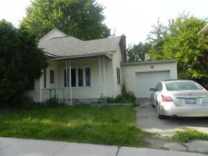 2 HOUSE ON ONE LOT  4 BEDROOM AND 2BEDROOM SOLD