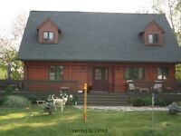 1/2 Acre Lot - 2Bdrm & 2Bthrms - Country Living in Komoka