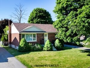 5 Bedroom House Available! 2 Minute walk to Fanshawe College!