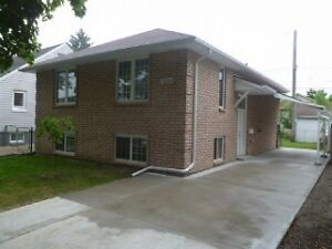 4 BDRM UNIT WITH SECOND KITCHEN $1300++ - 1856 HICKORY