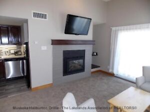RENOVATED THIRD FLOOR SUITE! $179900