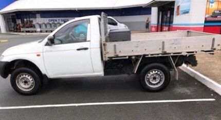 CHEAP Rainy Day Rubbish Removal - Man and a ute