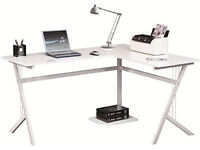 Piranha Zander Corner Desk PC27s