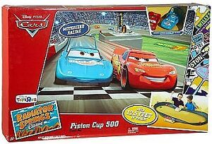 Lightning McQueen - Piston Cup 500 Track Set - 7 Cars