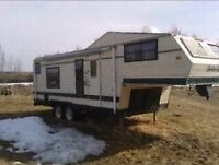 26ft golden falcon  fifth wheel trailer