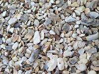 20 mm Cotters gold garden and driveway chips/ stones/gravel