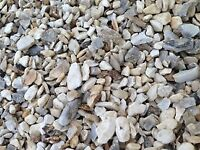 20 mm Cotters gold garden and driveway chips/ stones/ gravel