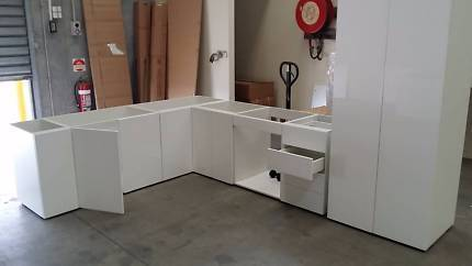 DIY | Kitchen Cabinets | Flat packed