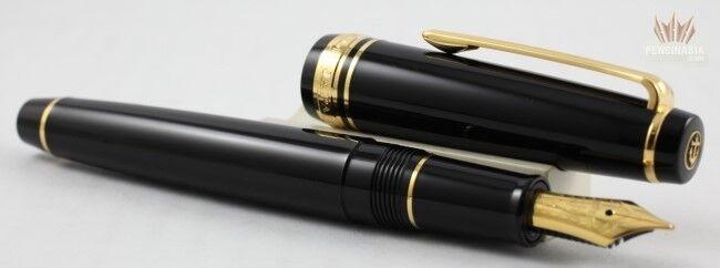 Sailor Professional Gear Slim Black With Gold Trim Fountain Pen Gorgeous Design!
