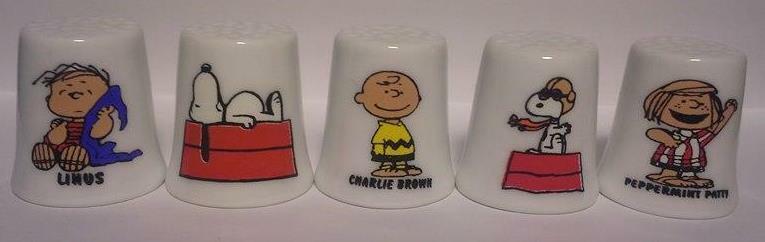 Super Nice Lot of 10 Charlie-Brown & Friends Porcelain Thimble Set