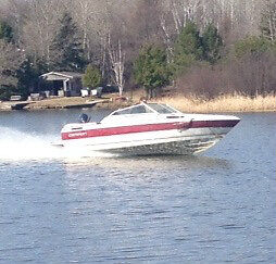 BOAT IN VERY GOOD CONDITION MUST SELL OR TRADE FOR HORSE TRAILER