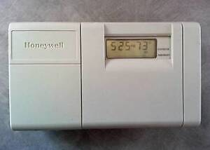 Honeywell Magicstat CT3200 thermostat, vg.cond