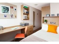 Classic en-suite room in West end Glasgow (STUDENTS ONLY)