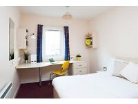 One bed furnished en-suite room 5 min walk to Glasgow city centre, near University of Strathclyde.