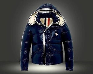 Moncler Winter Down Jacket - Size Small