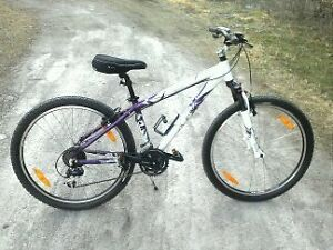 "Scott ""Contessa"" girls mountain bike"
