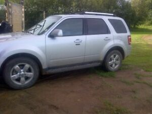 Priced for quick sale;   2011 Ford Escape Limited SUV