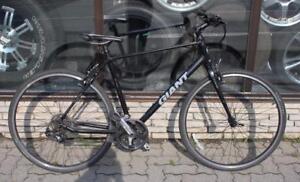 Vélo de route giant escape 3 noir/ VENEZ PROFITER DE NOTRE 25% SUR NOS VÉLOS