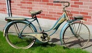 Antique 1950s Columbia Superb balloon tire bicycle London Ontario image 2